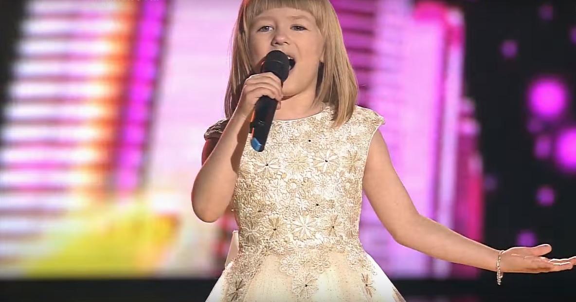 Знакомься, перед тобой абсолютный рекордсмен шоу «Голос. Дети». Какая же она умница!
