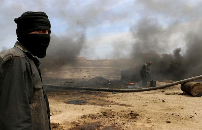 """СМИ объявили о раскрытии схемы покупок нефти у """"Исламского государства"""""""