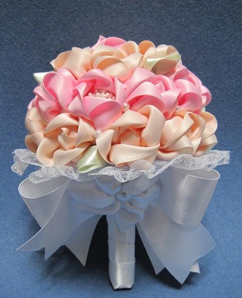 Букет для невесты из атласных лент