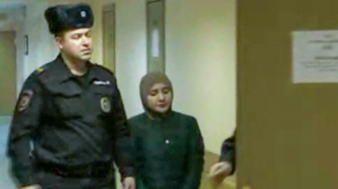 """Шах и мат для Патимат"" :В Москве студентку вуза арестовали за картинку с флагом ИГИЛ"