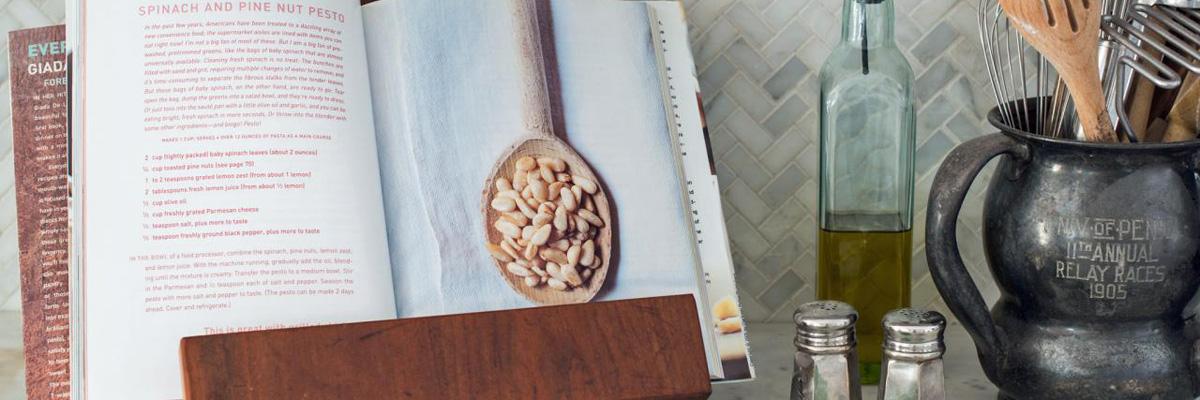 7 книг о еде и напитках, которые точно стоит прочесть