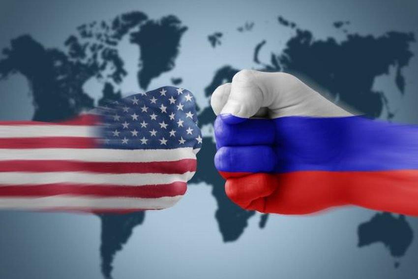"""Американцы перестали считать РФ """"врагом номер один"""""""