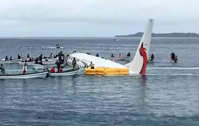 В Тихом океане экстренно сел пассажирский Boeing
