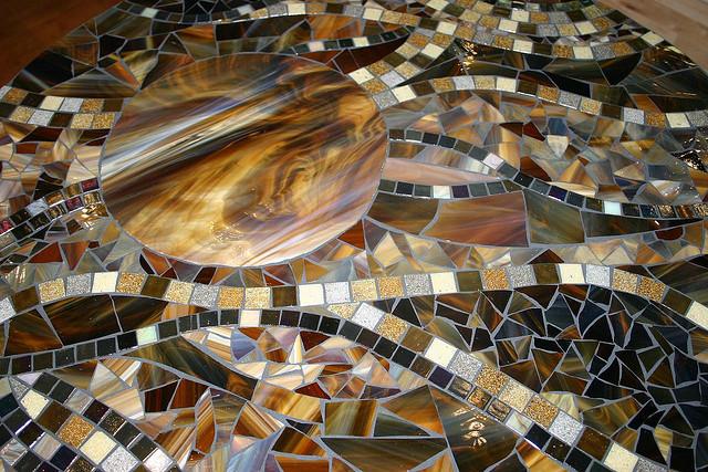 Мозаика для отделки мебели и предметов декора