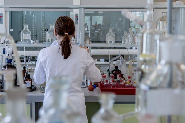 Ученые создали полностью убивающее рак лекарство