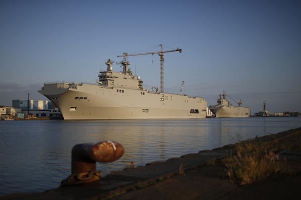 """Эстонский депутат требует предотвратить получение Россией """"Мистралей"""" через Египет"""