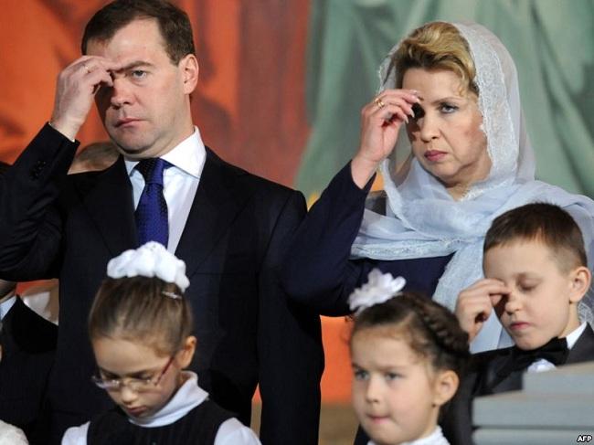 жена и дети медведева фото