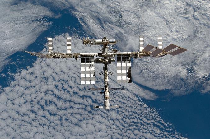 НАСА закупает места на «Союзах» для полетов на МКС