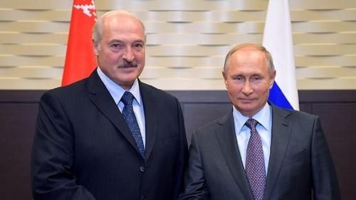 """Лукашенко о переговорах с Путиным: """"даже не сложные, а тяжелые"""""""