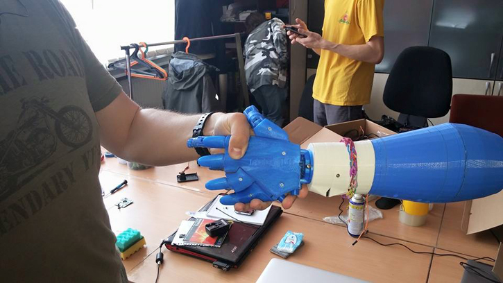 Программисты из Киева и Львова создают роборуку, которая управляется движениями мыщц