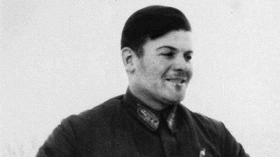 Как советский штурман выпал из самолета, но не погиб в горах Аляски: быль