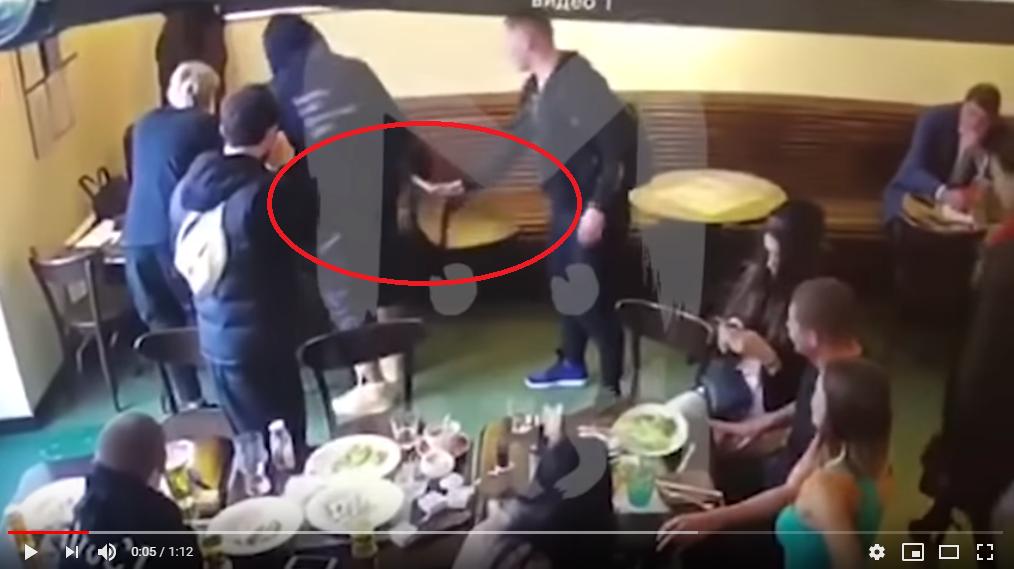 Замглавы Минпромторга по счастливой случайности избежал драки с Кокориным и Мамаевым