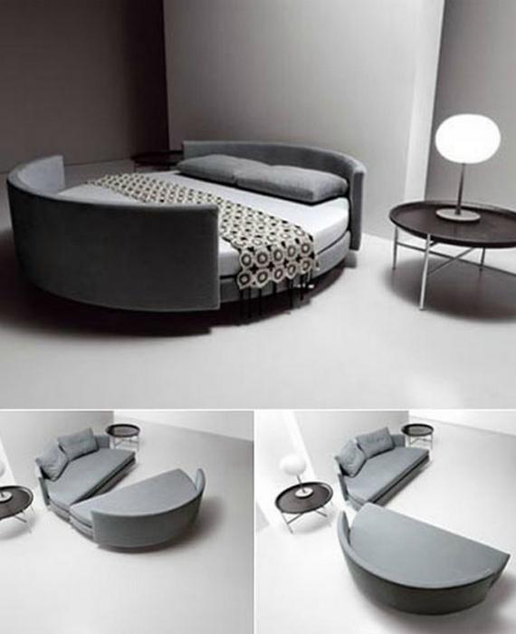Круглая кровать, которую можно раздвинуть и превратить в два небольших дивана.