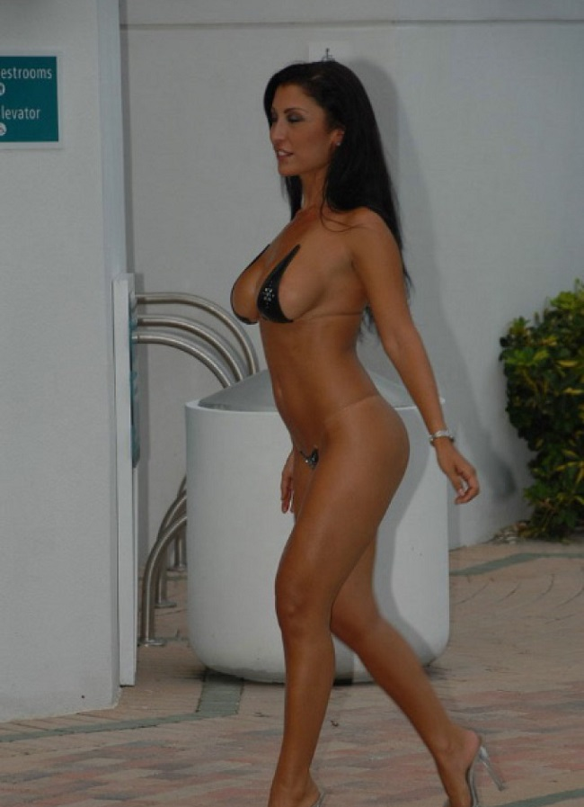 porno-babushki-v-bikini