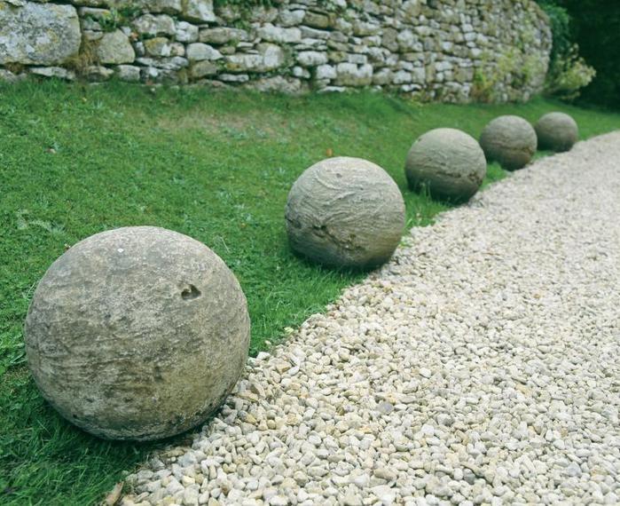 Декоративные шары из цемента для сада. Идеи и мастер-класс (13) (700x570, 93Kb)