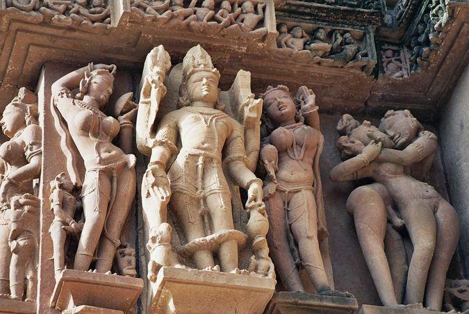 stseni-seksa-na-indiyskih-hramah