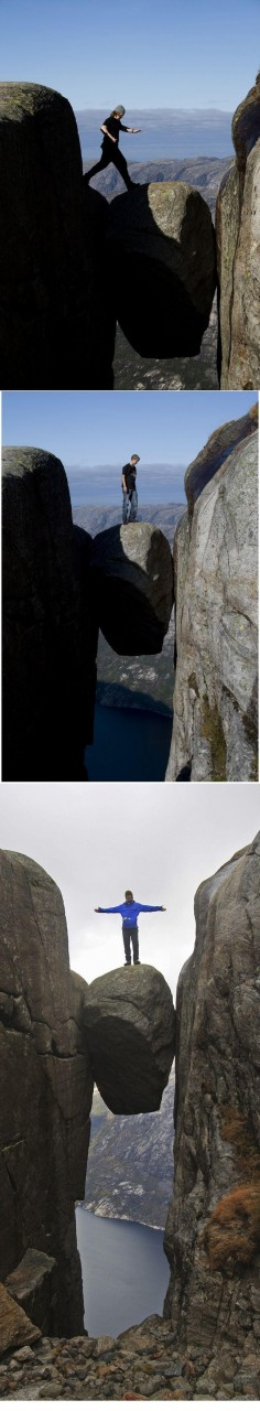 На знаменитом валуне Кьерагболтен в Норвегии. дух, страшно, фотографии