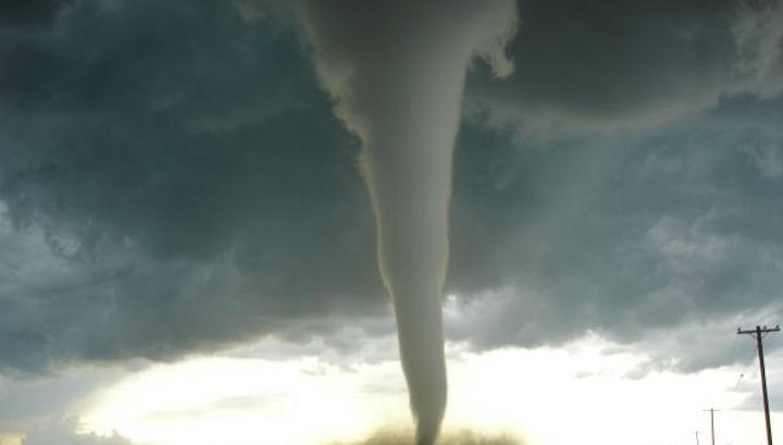 Торнадо перенес начало баске…