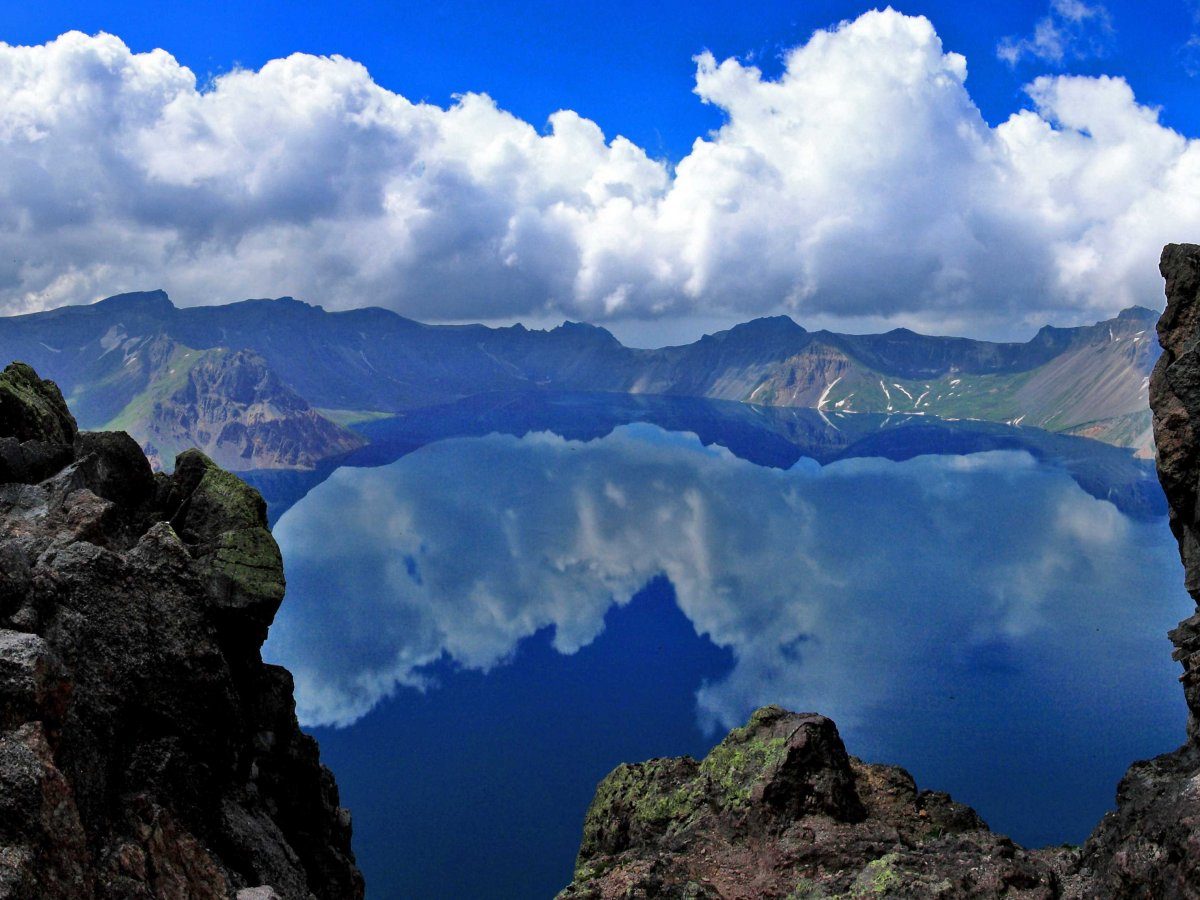 catch-your-reflection-in-the-crystal-clear-heavenly-lake-chinas-deepest-lake-atop-changbai-mountain