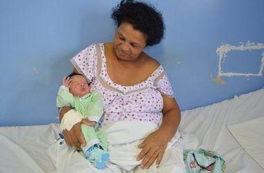 В Бразилии 51-летняя женщина родила 21-го ребенка!