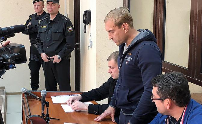 Аресты в Крыму: Евпатория в защиту мэра вышла на «пробежку протеста»