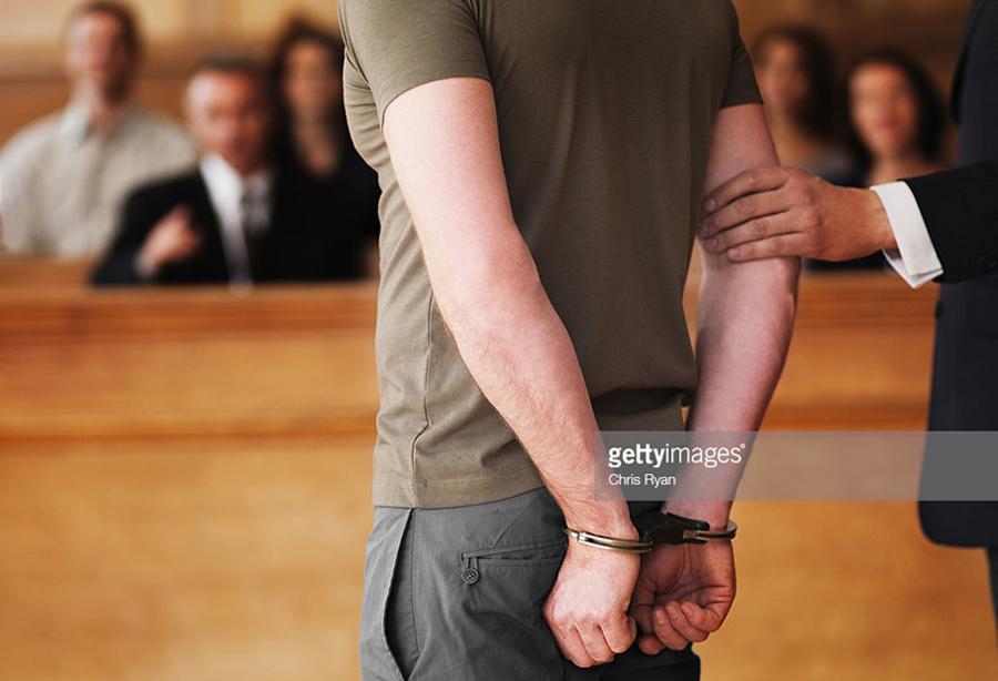 О праве защищаться от убийцы и реальной практике в суде