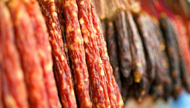 В Госдуме предложили запретить называть колбасой ненатуральные продукты