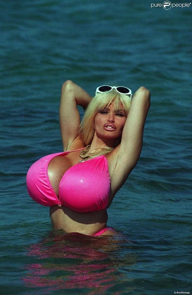 Самые сексуалные женщины мира 20011