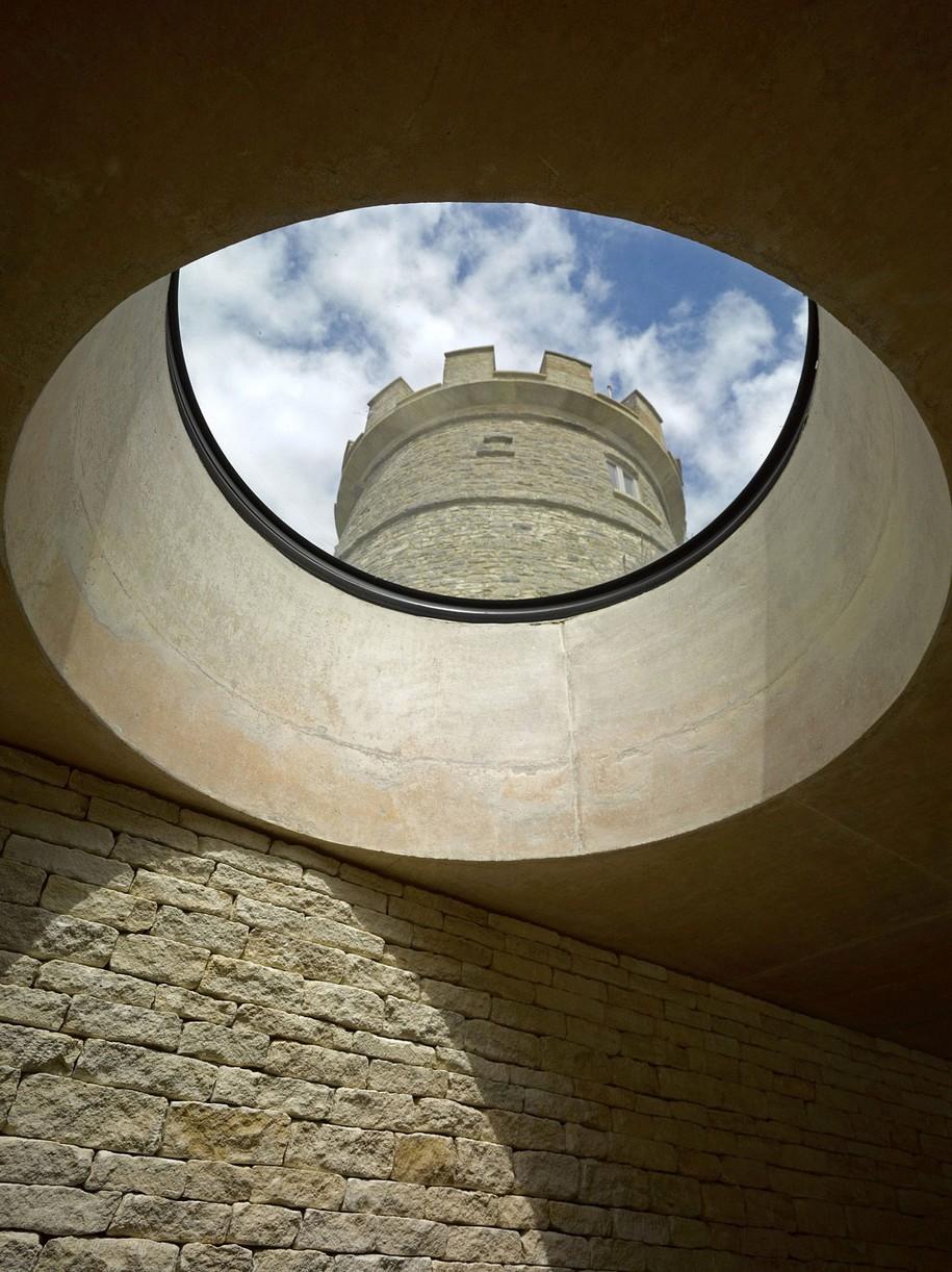 Современный дом в старой башне
