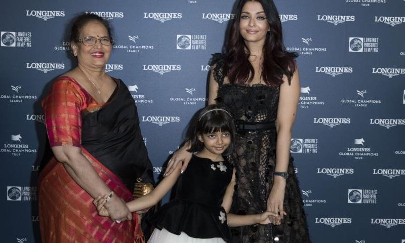 Тройное великолепие — Айшвария Рай вышла в свет вместе с дочерью и мамой