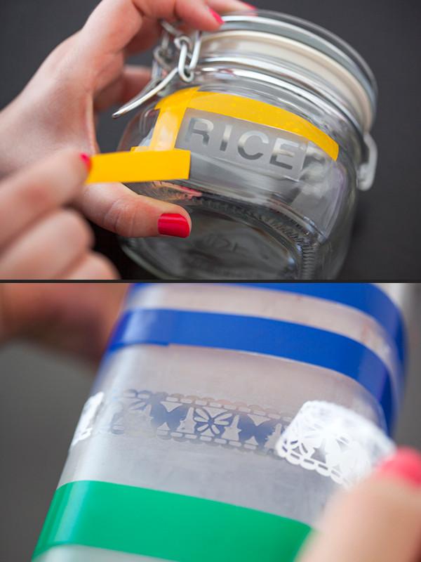 Как сделать надпись на стеклянной банке или бутылке