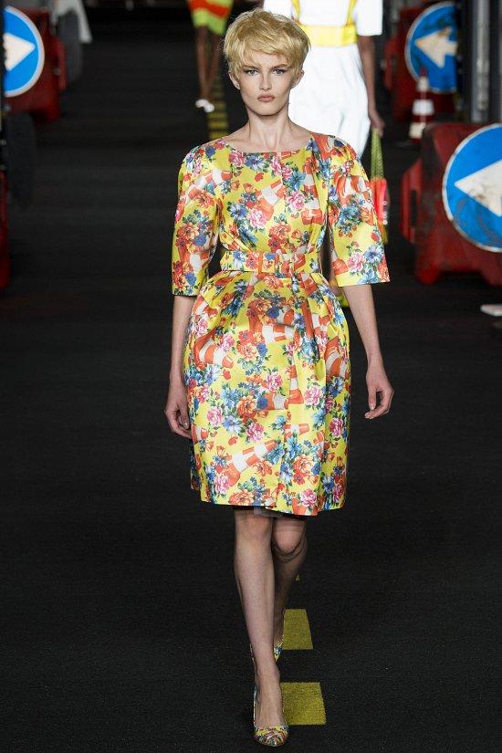 Moschino весна-лето 2016 фото №11