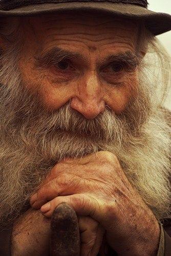 Жил-был в деревне старый человек. Он был очень беден, но...