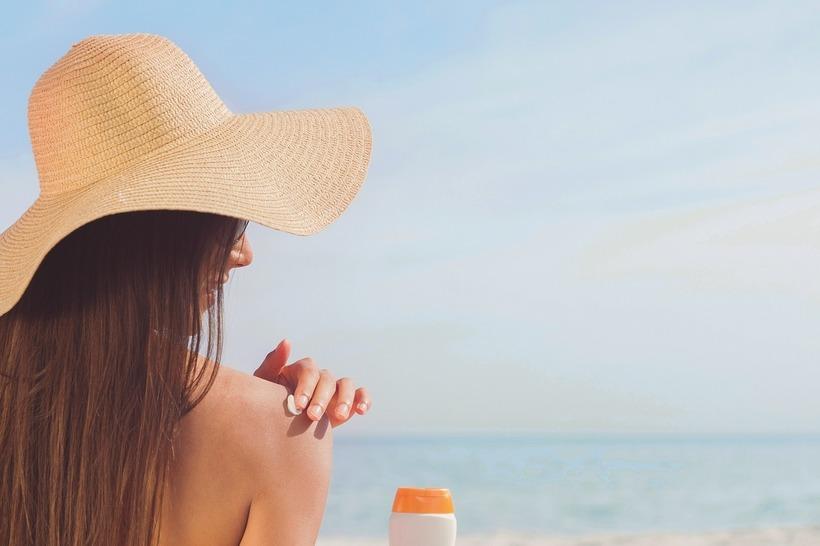 Насколько быстро опасные вещества из солнцезащитного крема проникают в кровь