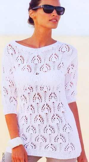 Белый ажурный пуловер с красивым узором
