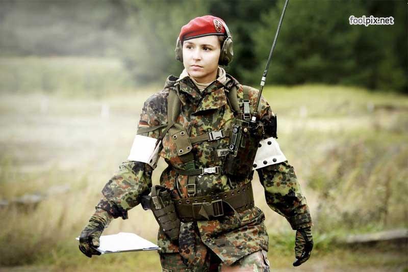 Девушки на службе в армии фото 58