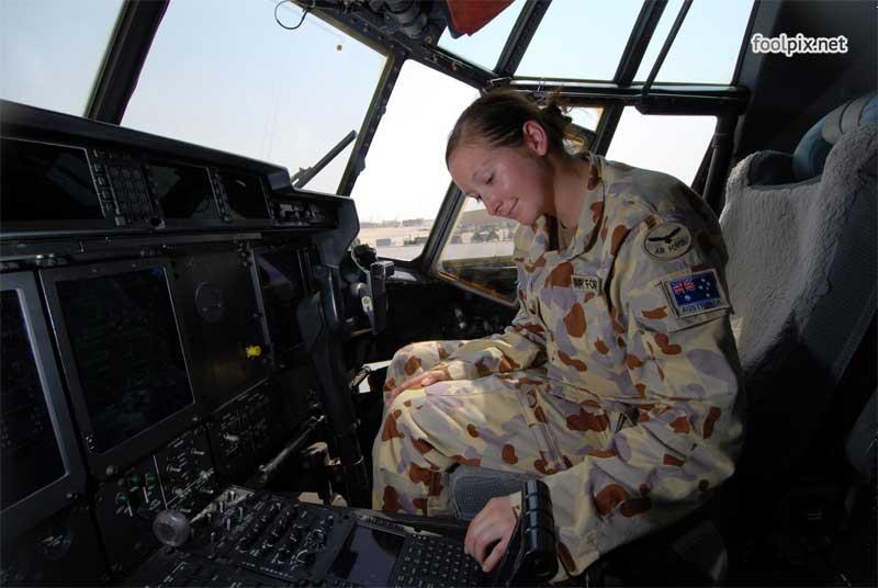 Девушки на службе в армии фото 72
