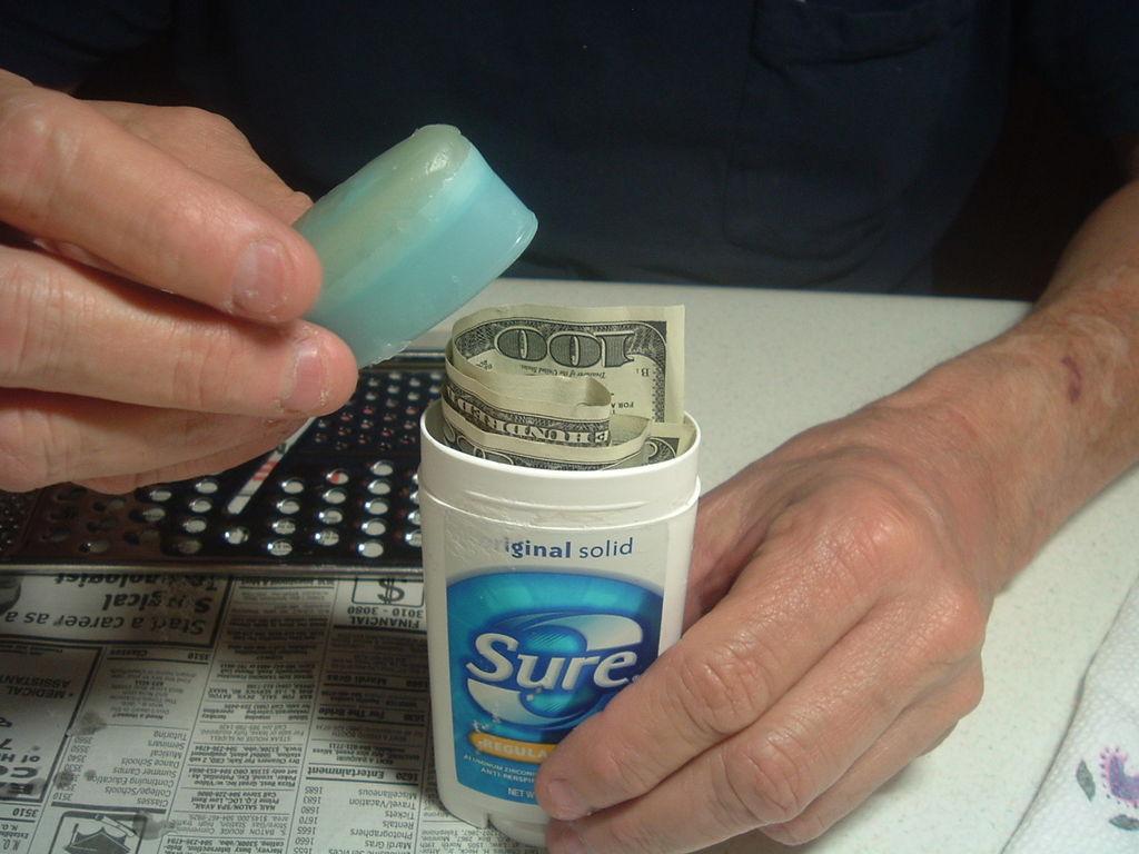 Как сделать чтоб появились деньги в доме