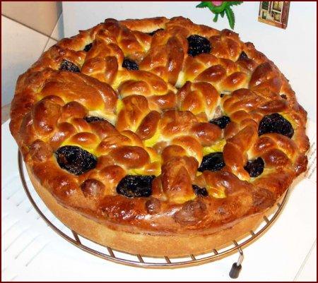 Яблочный пирог с черносливом