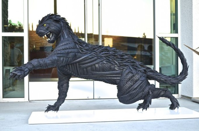 Удивительные скульптуры из автомобильных шин