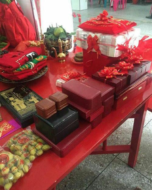 Это все — свадебные подарки китайскому юноше. Но видели бы вы его невесту…