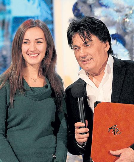 Дочка Александра Николаевича, названная в честь Мишель МЕРСЬЕ и Мишель ПФАЙФФЕР, тоже красиво поёт