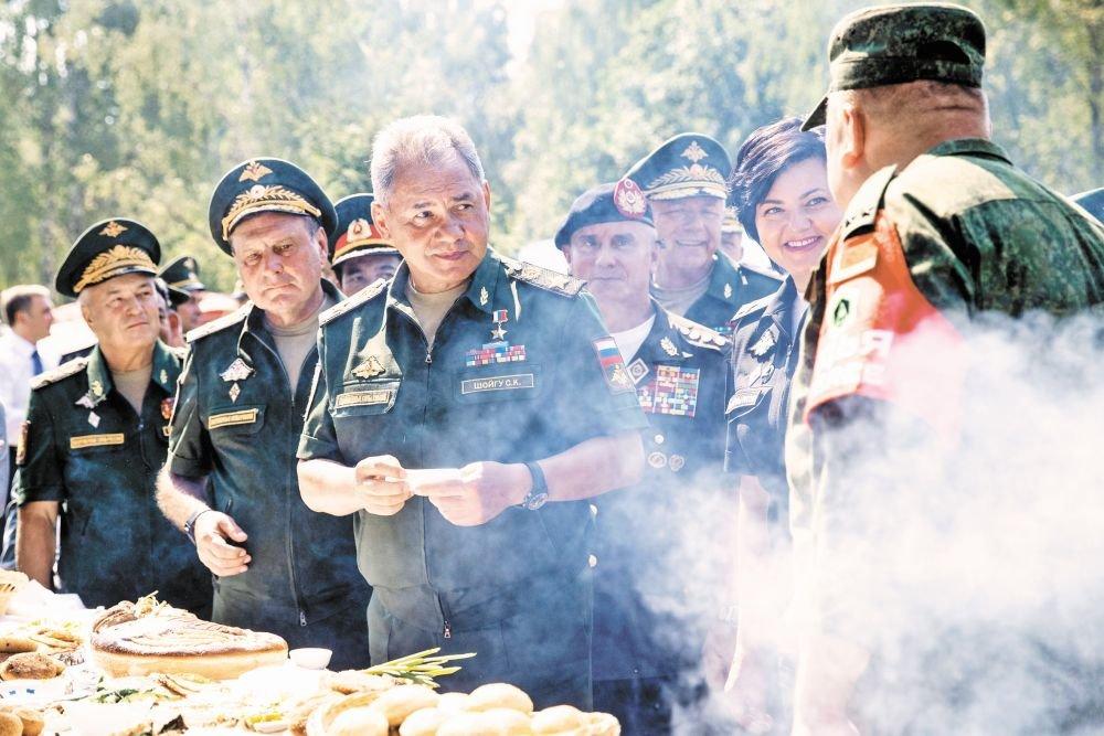 Российские и белорусские танкисты-биатлонисты лидируют на АрМИ-2018