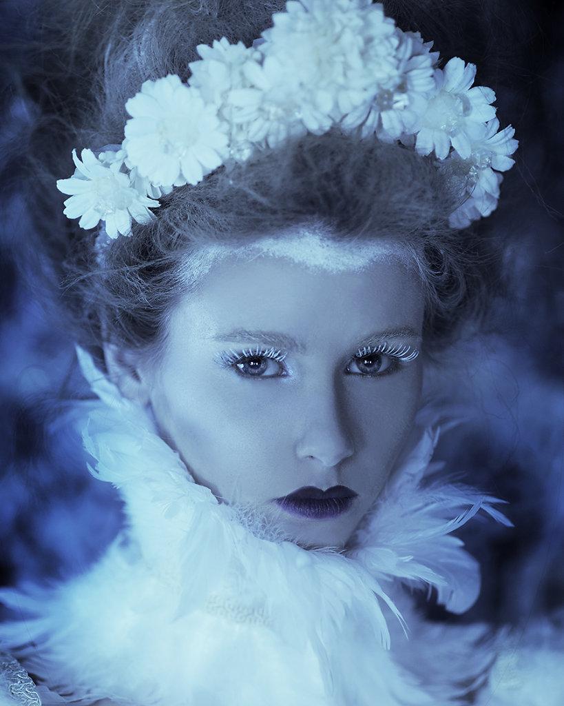 Фотопрект «Таинственный сад». Потрясающие сюрреалистические портреты фотографа Даниэлы Мэджик - 1