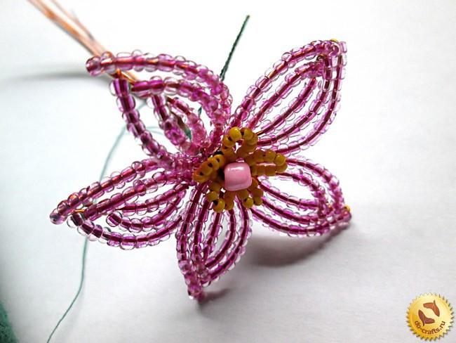 Лилии из бисера, схемы плетения