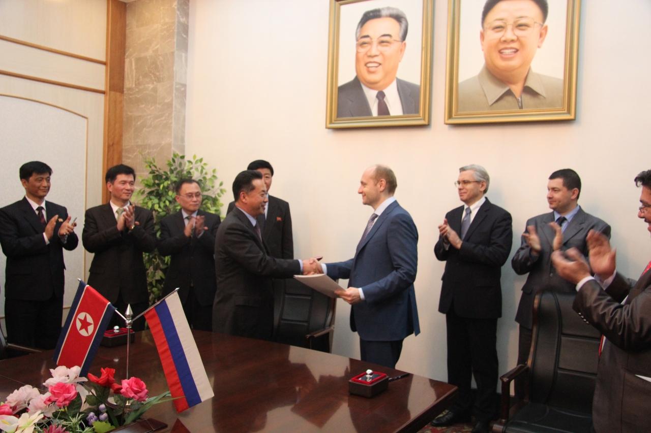 Наша дружба крепка как сталь: Владивосток и северокорейский Насон установили паромное сообщение