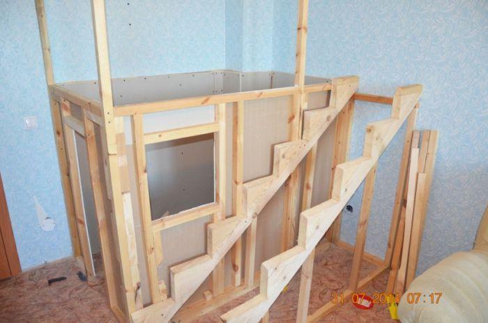 Как построить детям домик своими руками