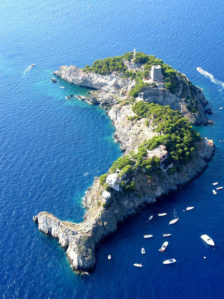 9. Остров в форме дельфина, Италия в мире, остров