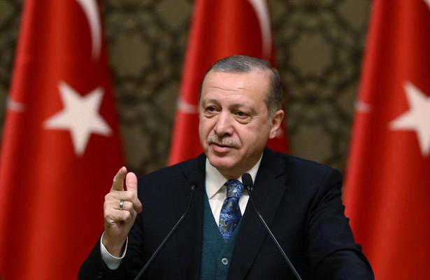 Президент Турции получил полномочия по вмешательству в экономику страны
