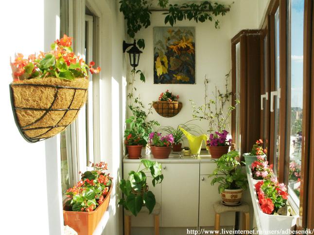Подставка для цветов своими руками. ТОП-10 идей с фото